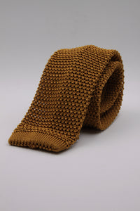 Antique yellow knitted tie