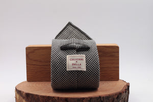 100% Woven Wool Fresco Unlined Hand rolled blades Houndstooth black and white tie Handmade in Rome, Italy 8 cm x 150 cm