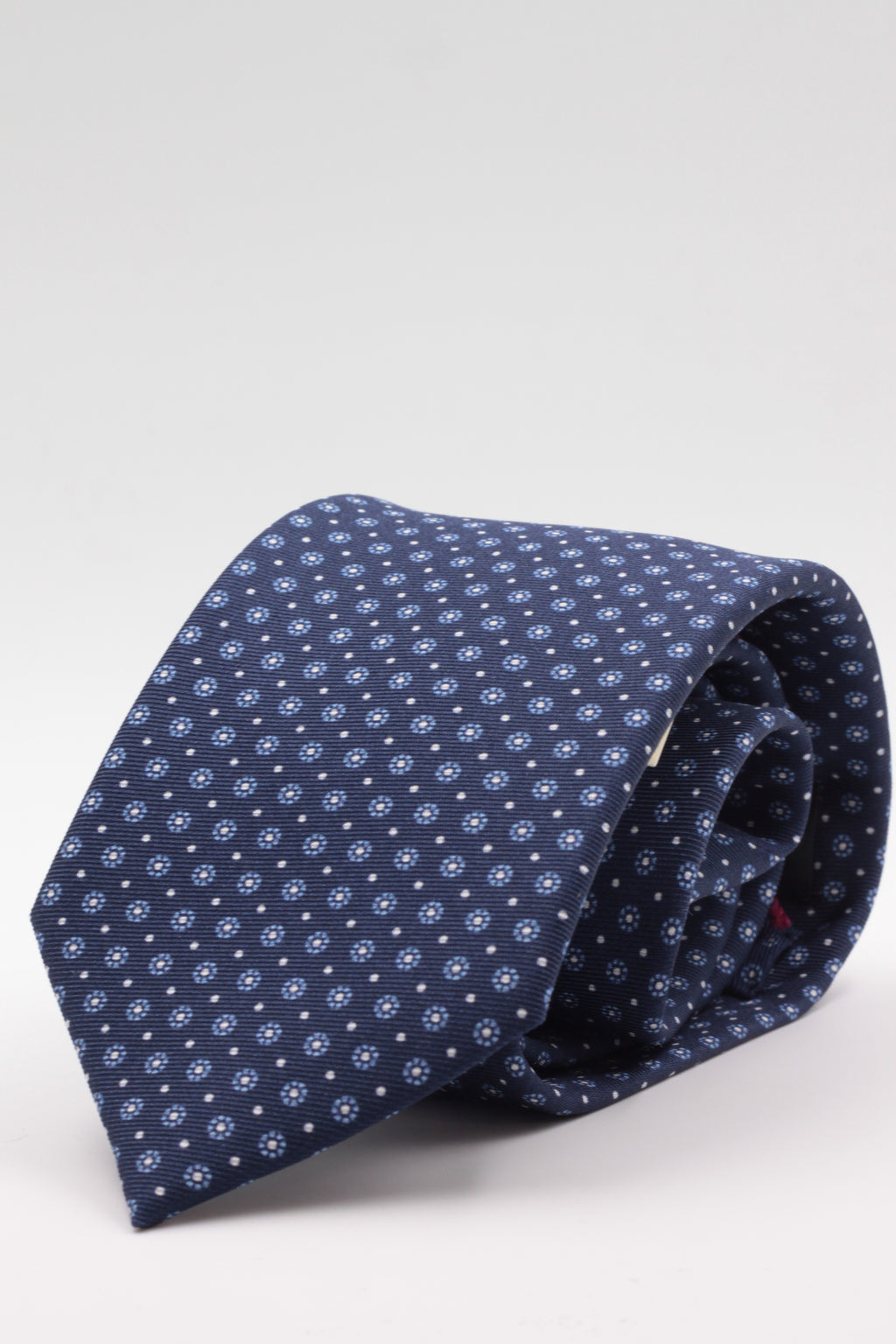 Holliday & Brown for Cruciani & Bella 100% printed Silk Self tipped Blue navy, light blue and white floral motif tie Handmade in Italy 8 cm x 150 cm
