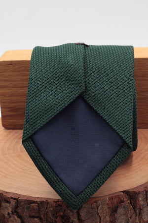 100% Silk Grenadine garza fina  Tipped Hand rolled blades Forrest green plain tie Handmade in Rome, Italy 8 cm x 150 cm
