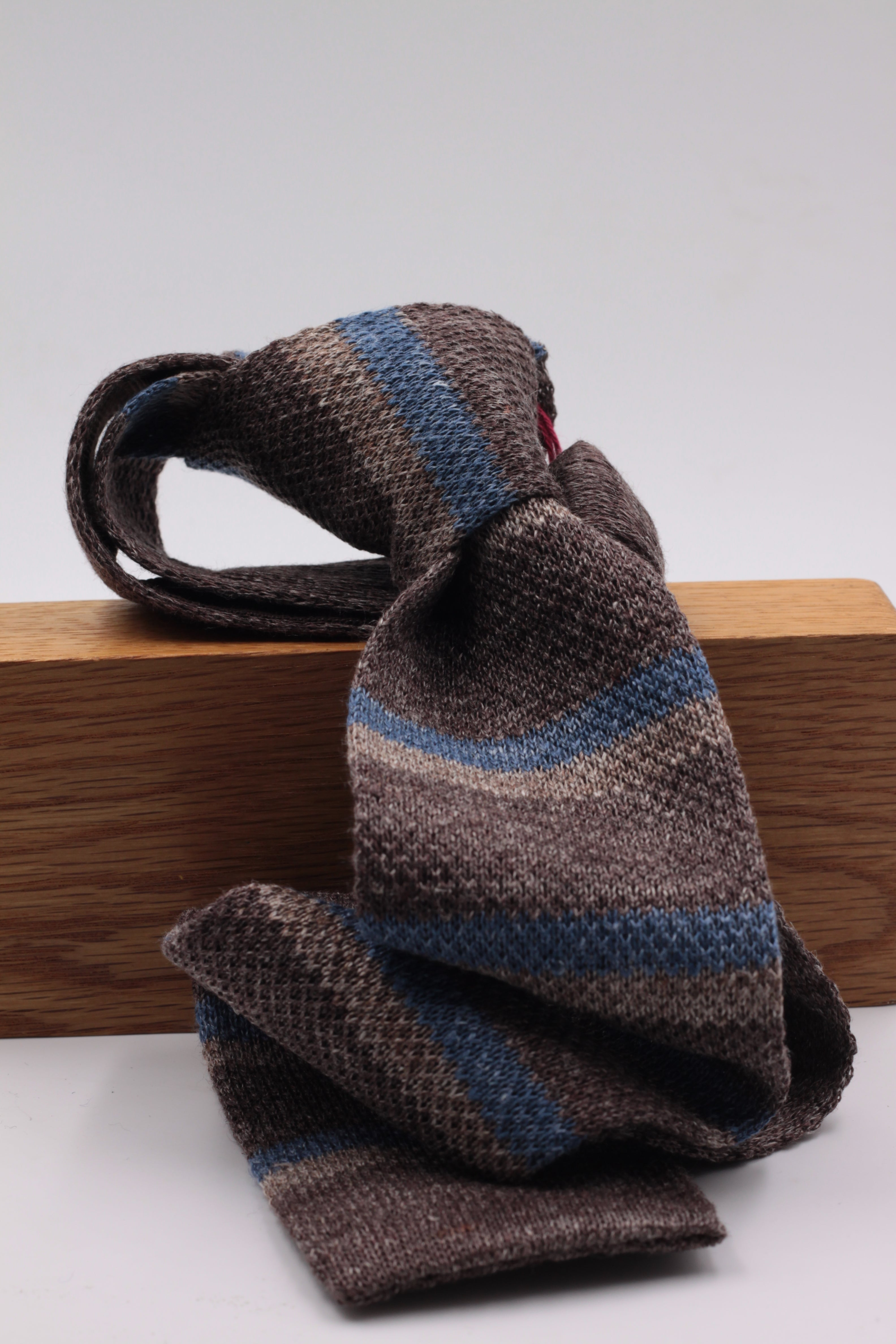 Cruciani & Bella 100% Knitted Linen Brown, Beige and Blue Jeans stripe tie Handmade in Italy 6 cm x 146 cm