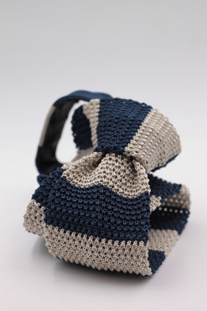 Cruciani & Bella 100% Knitted Silk Blue and Ivory stripe tie Handmade in Italy 6 cm x 147 cm