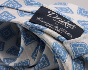 Drake's for Cruciani e Bella Printed 60% Silk 40% Linen Self-Tipped White and Light Blue Medallion Tie Handmade in London, England 8 cm x 149 cm #5426