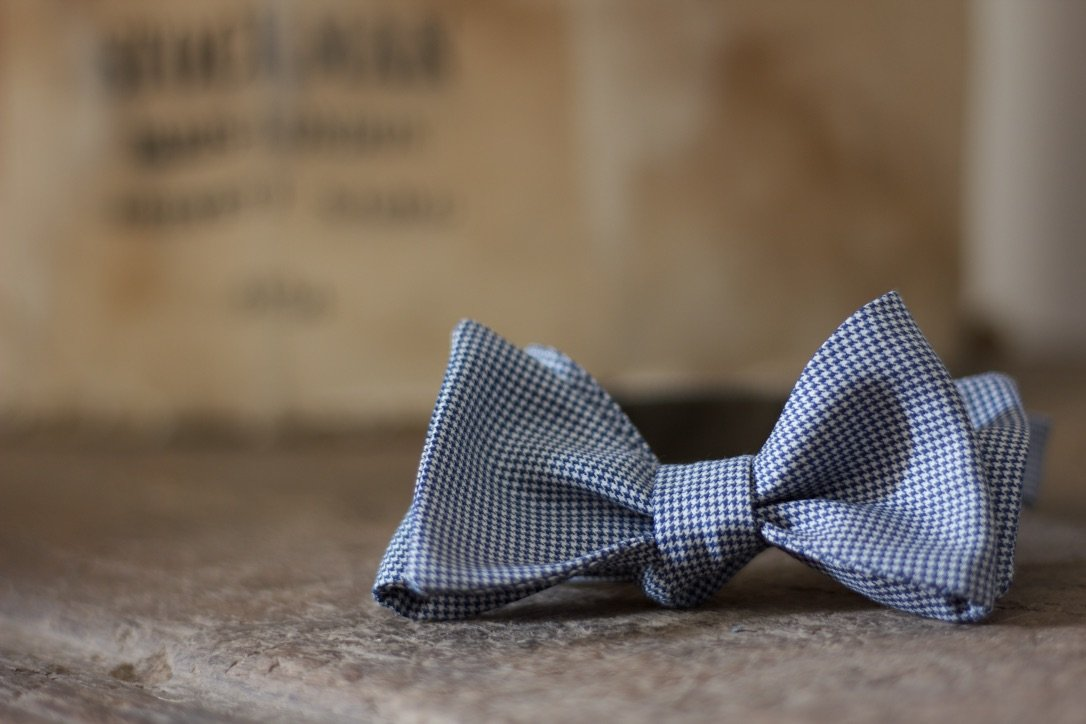 Noodles - Bow Ties - Wool and Silk  - Blue navy and white pied de poule