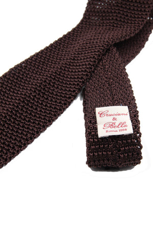 Dark brown knitted tie