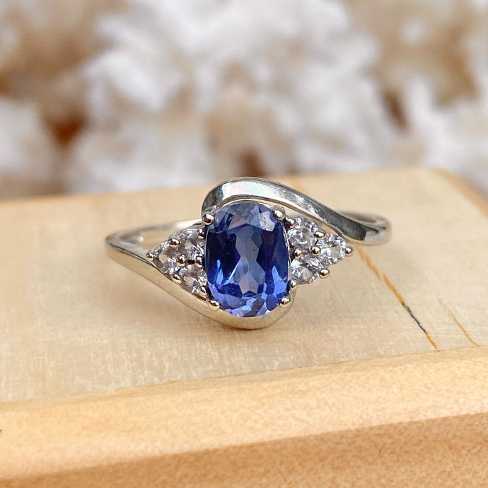 Estate 10KT White Gold Oval 1.25 CT Ceylon Blue Sapphire + White Sapphire Ring