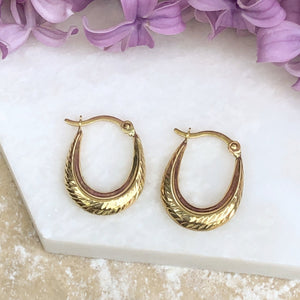10KT Yellow Gold Small Oval + Ribbed Hoop Earrings, 10KT Yellow Gold Small Oval + Ribbed Hoop Earrings - Legacy Saint Jewelry