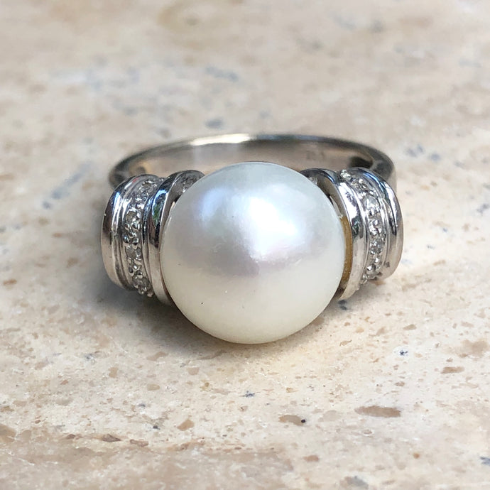 Estate 18KT White Gold Freshwater Pearl + Diamond Ring Size 6.75, Estate 18KT White Gold Freshwater Pearl + Diamond Ring Size 6.75 - Legacy Saint Jewelry