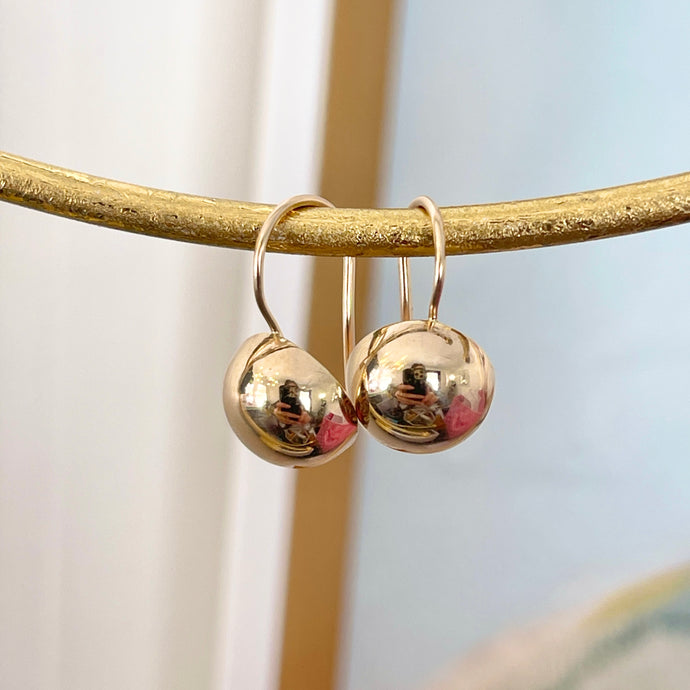 14KT Yellow Gold Polished Half-Ball 10.5mm Kidney Wire Earrings