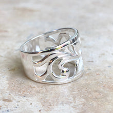 Load image into Gallery viewer, Sterling Silver Flower Cigar Band Ring, Sterling Silver Flower Cigar Band Ring - Legacy Saint Jewelry
