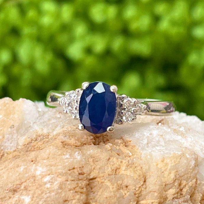 Estate 14KT White Gold Oval 1.00 CT Blue Sapphire + Diamond Accent Ring