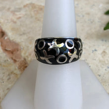 Load image into Gallery viewer, Estate 14KT White Gold Black Enamel Dome XOXO Ring