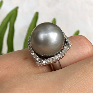 Estate 14KT White Gold Diamond + Gray Tahitian Pearl Cluster Ring Size 5, Estate 14KT White Gold Diamond + Gray Tahitian Pearl Cluster Ring Size 5 - Legacy Saint Jewelry