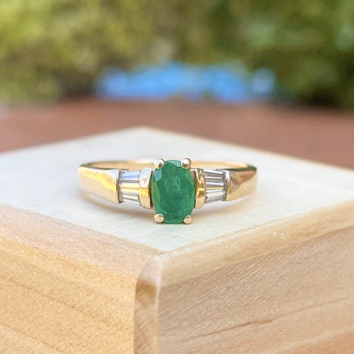 Estate 14KT Yellow Gold Oval .50 CT Emerald + Baguette Diamond Ring