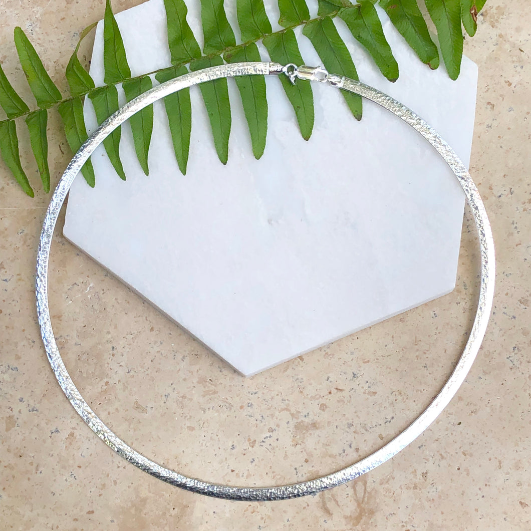 Sterling Silver Hammered Omega Collar Necklace 17