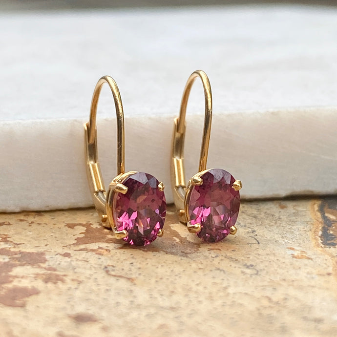Estate 14KT Yellow Gold Oval Rhodolite Garnet Lever Back Earrings, Estate 14KT Yellow Gold Oval Rhodolite Garnet Lever Back Earrings - Legacy Saint Jewelry