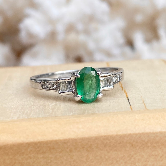 Estate 14KT White Gold Oval .50 CT Colombian Emerald + Baguette Diamond Ring