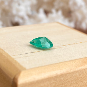 Colombian Emerald Cut Pear/Teardrop Shape Loose Emerald 1.02 CT - Legacy Saint Jewelry