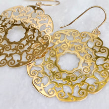 Load image into Gallery viewer, 14KT Yellow Gold Lace Filigree Circle Dangle Earrings