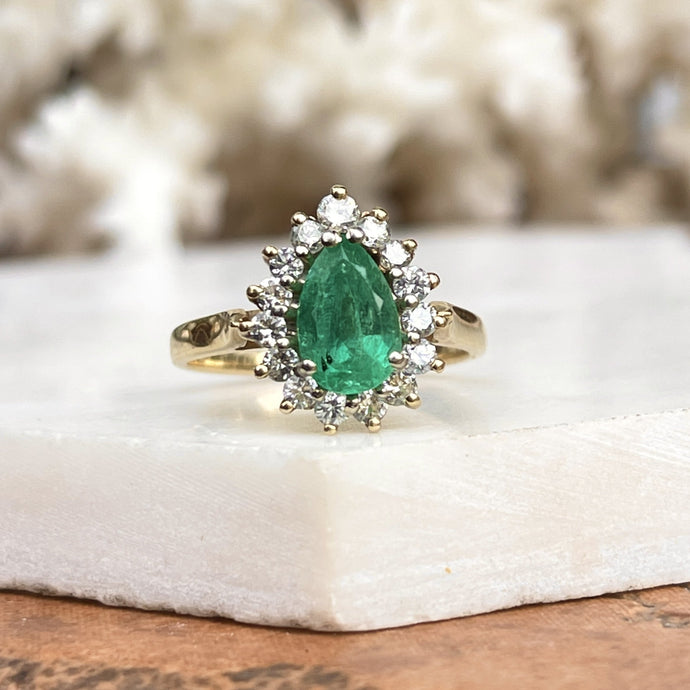 Estate 14KT Yellow Gold 1.50 CT Pear Emerald + Diamond Halo Ring