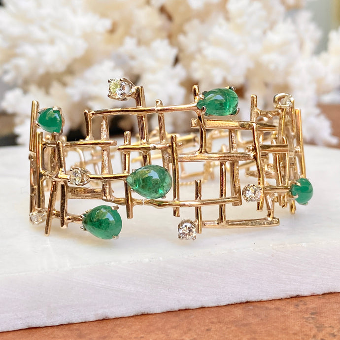 Estate 14KT Yellow Gold Mid Century Modern Brutalist Cabochon Pear Emerald + Diamond Wide Cuff Bracelet