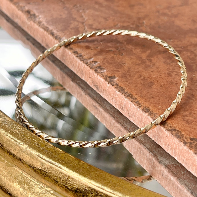 14KT Yellow Gold Twisted 2.5mm Slip On Bangle Bracelet