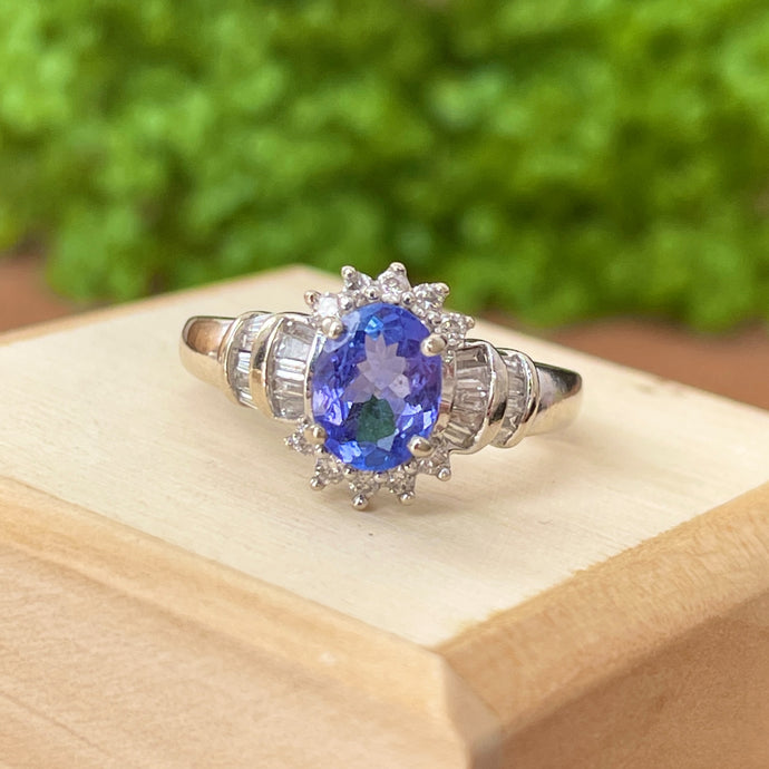 Estate 14KT White Gold Oval 1.50 CT Tanzanite + Diamond Had Halo Ring