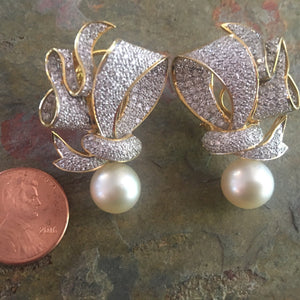 Estate 18KT Yellow Gold Ribbon Design Pave Diamond + South Sea Pearl Earrings, Estate 18KT Yellow Gold Ribbon Design Pave Diamond + South Sea Pearl Earrings - Legacy Saint Jewelry