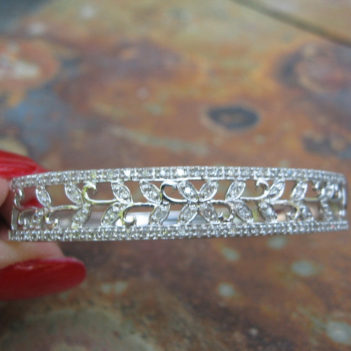 Estate 10KT White Gold + Pave Diamond Filigree Leaves Bangle Bracelet, Estate 10KT White Gold + Pave Diamond Filigree Leaves Bangle Bracelet - Legacy Saint Jewelry