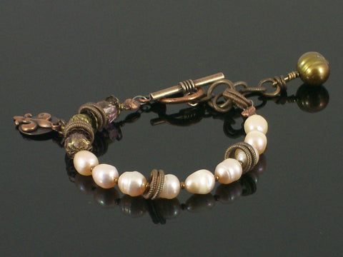 Single-strand Pearl, crystal & charms toggle bracelet (Web-193)