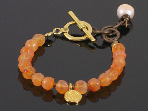 Single-strand Faceted carnelian with charm toggle bracelet (Web-197)