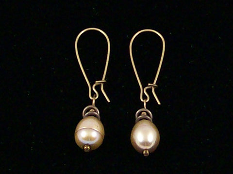 Antiqued medium earrings w/ Pearl (Web-227)