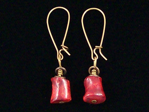 Antiqued medium earrings w/ Sponge coral (Web-240)