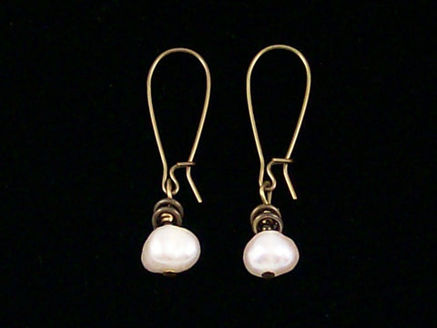 Antiqued medium earrings w/ Pearl (Web-262)