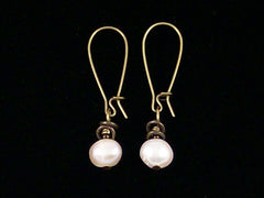 Antiqued medium earrings w/ Pearl (Web-264)