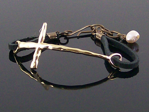 Hammered metal east/west cross with leather bracelet (Web-282)