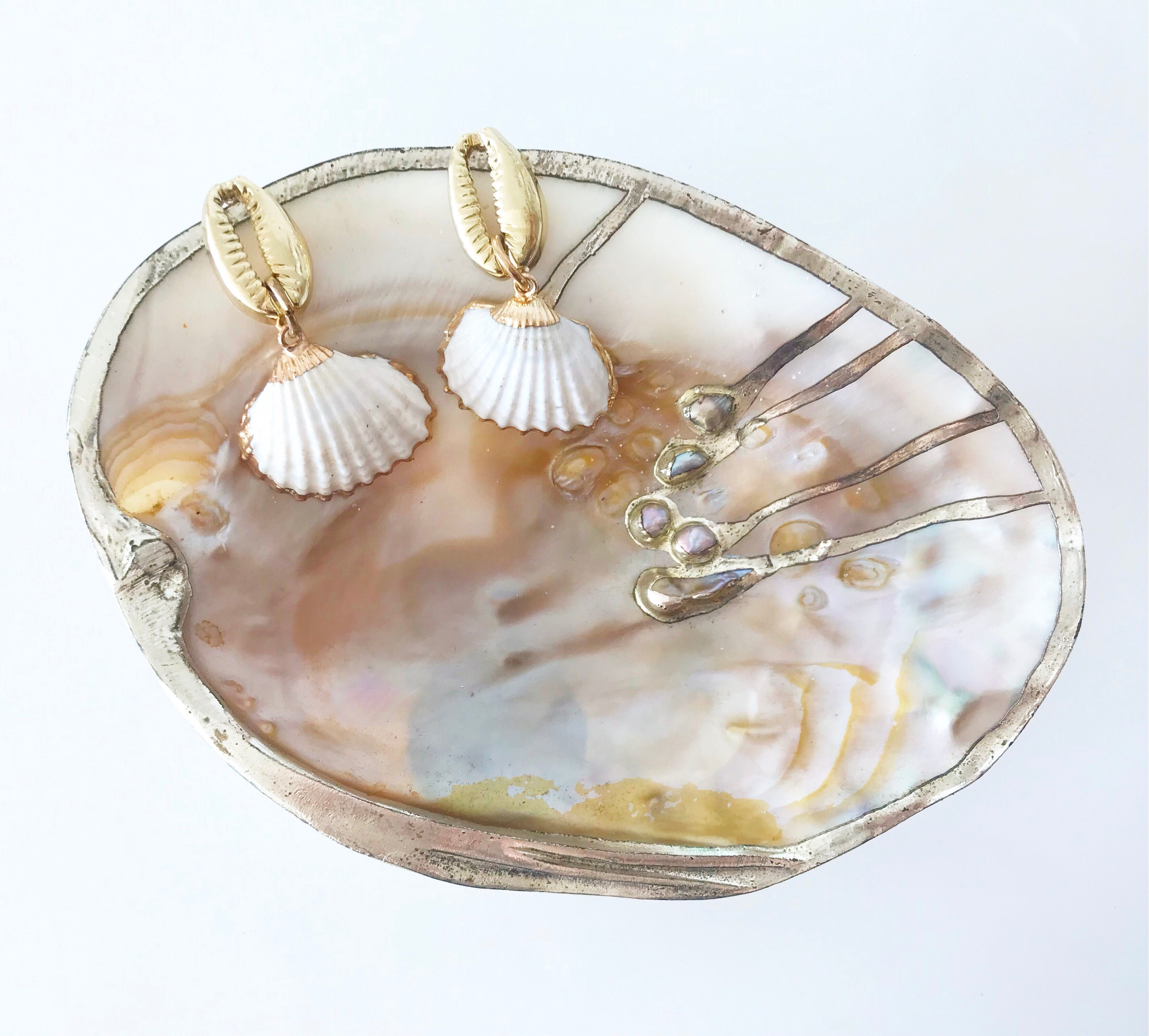White Ribbed Shell Earrings
