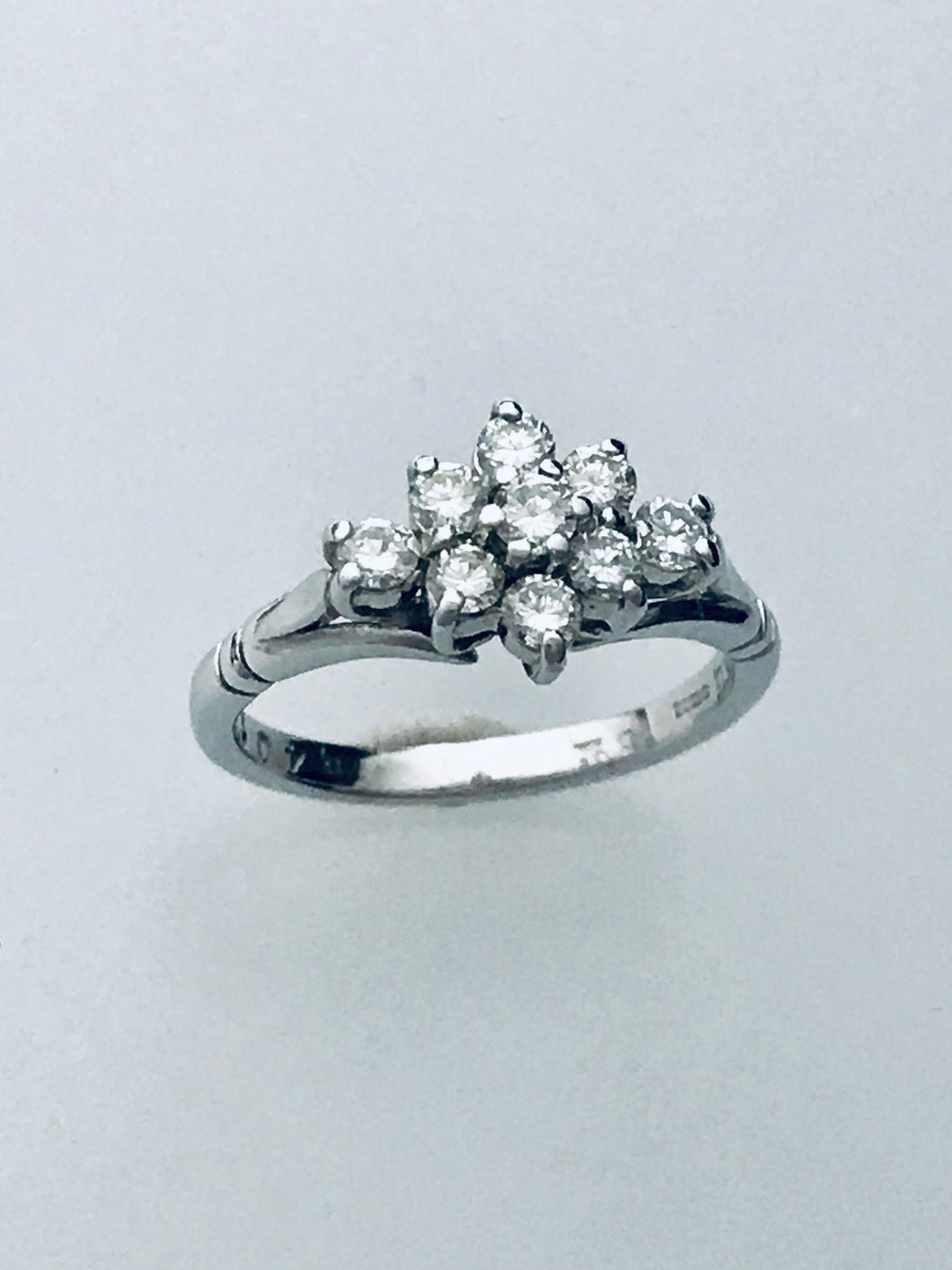 18ct White Gold Diamond Cluster Ring