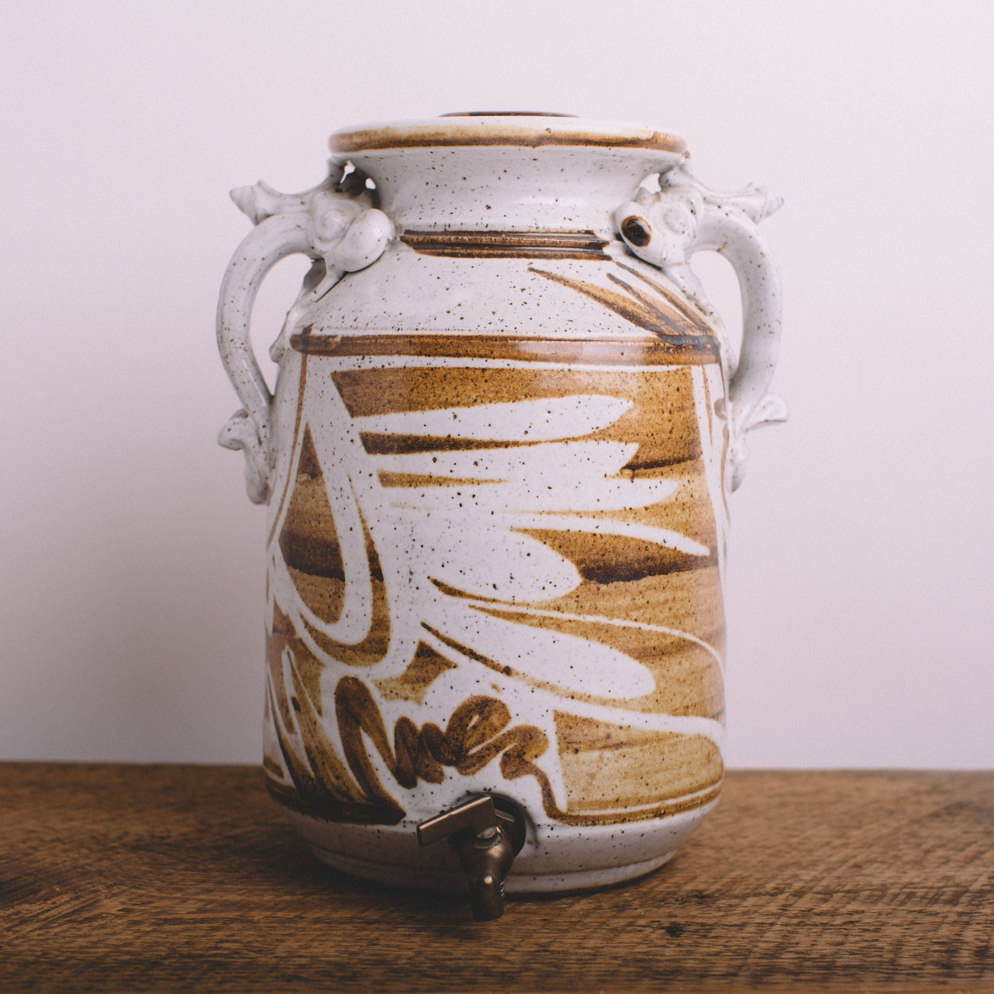 VINTAGE || CERAMIC WATER CROCK