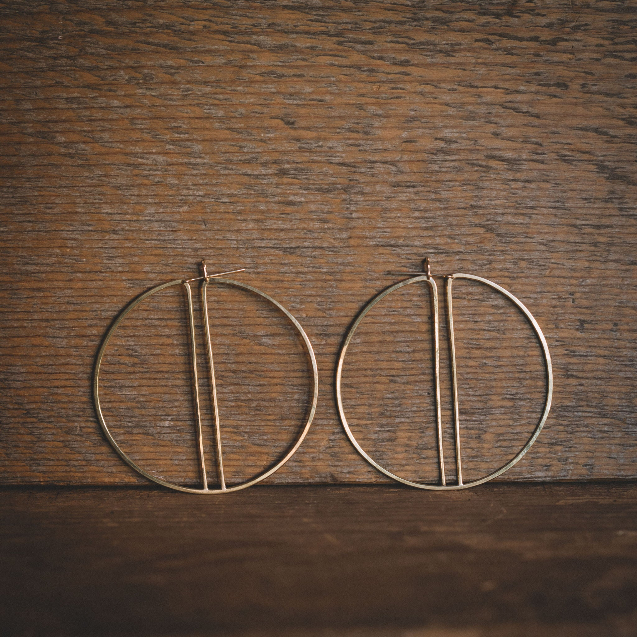 LILA RICE || SPLIT HOOP EARRINGS