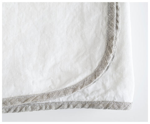 Tablecloth With Oatmeal Bias - White