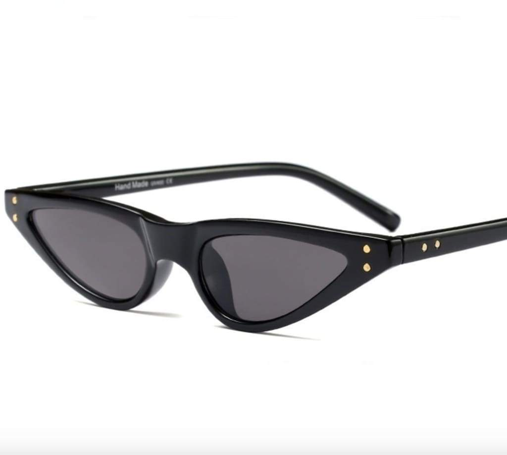 VINTAGE SUNGLASSES IN BLACK