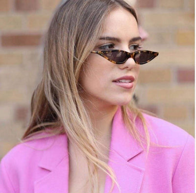 VINTAGE SUNGLASSES IN BLACK - PINKCOLADA