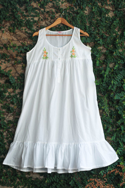 White Sleeveless Cotton Ladies Nightwear