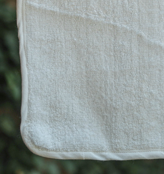 FRESHEN UP WHITE FACE TOWEL