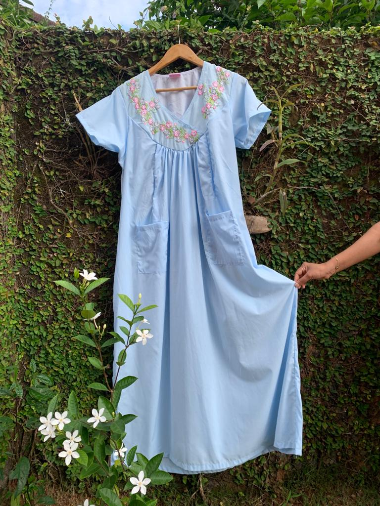 Bouquet of Daisies -  Embroidered Maternity Nursing Night Gown