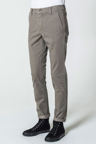 CHEAP MONDAY Slack Chino available in DIRT
