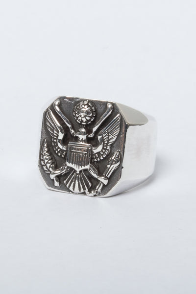 SJ Dynasty American Eagle Ring available in Sterling Silver SJ DYNASTY is available in Brisbane Queensland Australia at Violent Green Albert Street store #sjdynasty #sjdynastyjewellery #sjdynastyrings #navajojewellery #americanjewellery #nativeamericanjewellery #silverjewellery #mensjewellery #rings #earrings #bracelets #pendants #necklaces #sjdynastystockist #sjdynastyqueensland #sjdynastybrisbane #sjdynastyaustralia