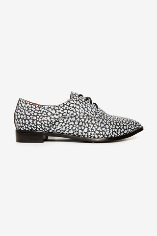 KOBE HUSK JAYCEE BROGUES available in BLACK WHITE