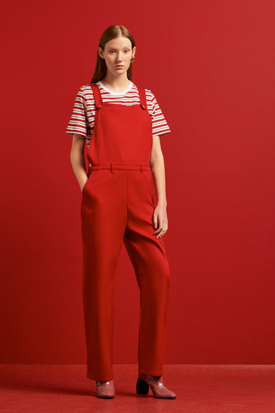 Kowtow runaway overalls available in red Kowtow is available in Brisbane Queensland Australia at Violent Green Albert Street store #kowtow #kowtowclothing #kowtowpant #kowtowstockist #kowtowdealer #kowtowaustralia #kowtowbrisbane #kowtowqueensland #kowtowshop #ethicalfashion #sustainablefashion